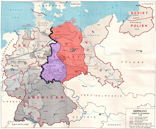 640px-Germany_occupation_zones_with_border